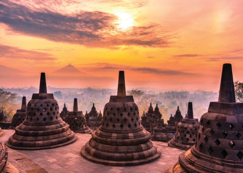 Sunrise-in-Borobudur